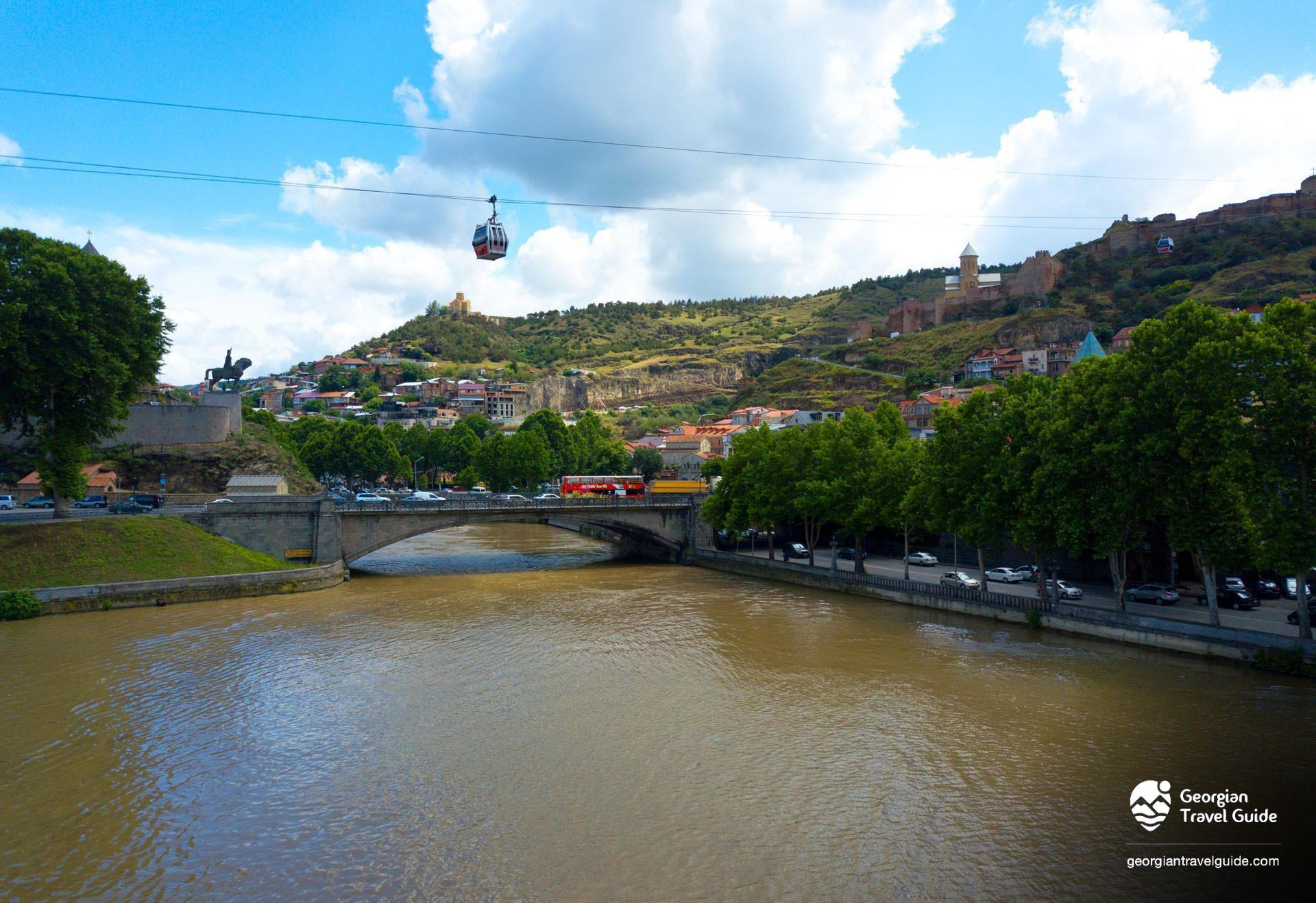 mtkvari river in tbilisi cable car